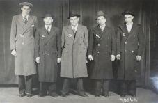 14-στη γραμμή για αναγνώριση,(με καπέλα και χωρίς) 1/5/1933 Unknown Photographer