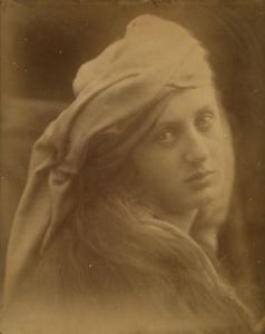 Julia Margaret Cameron -σπουδή για την Beatrice Cenci -εκτύπωση αλμπουμίνης.1870- μοντέλο είναι η May Prinsep