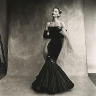 το φόρεμα 'Γοργόνα' του οίκου Rochas (Lisa Fonssagrives-Penn -σύζυγος του φωτογράφου) Platinum-palladium print