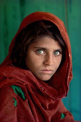 Steve McCurry 'κορίτσι του Αφγανιστάν' 1984 Nikon FM2