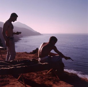 ψαρεύοντας με όπλα, c. 1960s