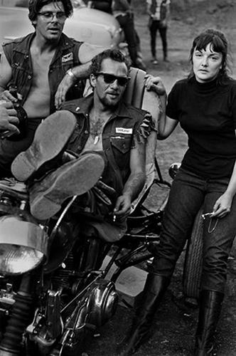 Hell_s Angels, ο Σόνυ και κορίτσι με πίπα c. 1960s.