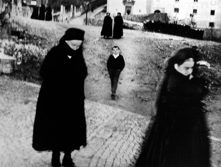 Mario Giacomelli, Scanno (αγόρι), 1957