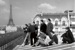 συνεργείο κινηματογραφεί τα 'κλεμμένα φιλιά' (baisers volés) c.1968 © Raymond Cauchetier
