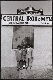 Albert R. Fennar, Straight Street, 1965. © Miya Fennar and The Albert R. Fennar Archive