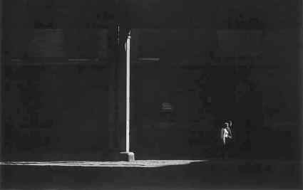 Roy DeCarava, couple walking under elevated, 1967 © estate of Roy DeCarava