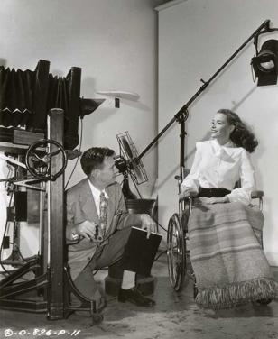 ο φωτογράφος Robert Coburn και η Susan Peters, Columbia Pictures 1948 © John Kobal Foundation